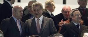 José Ignacio Wert, Jesús Posada y Florentino Pérez en el palco del Santiago Bernabéu