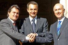 Artur Mas, José-Luís Rodríguez Zapatero y Josep Antoni Duran i Lleida después del pacto sobre el Estatuto de 2006.