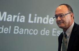 GRA213. VALENCIA, 25/06/2014.- El gobernador del Banco de España, Luis María Linde, participa en un almuerzo-coloquio organizado por la Asociación para el Progreso de la Dirección con una conferencia titulada